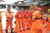 Tim SAR Jayapura cari nelayan jatuh dari rompon