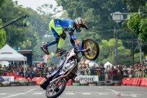 Kejuaraan atraksi motor gaya bebas di Bandung