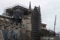Katedral Notre-Dame selenggarakan misa Jumat Agung berskala kecil