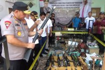 Polda Jatim gerebek pabrik senjata ilegal di Lumajang