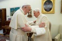 Mantan Paus Benedict sakit parah