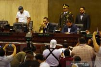 Presiden El Salvador veto UU kejahatan perang yang bermasalah