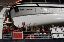Dinyatakan negatif virus, WNI kru kapal Westerdam pilih lanjut bekerja
