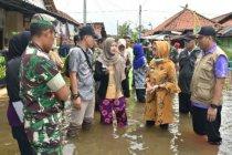 9 desa terendam banjir, Wabup Pekalongan sambangi pengungsi