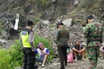 Tertimbun longsor, dua penambang di lereng Merapi tewas