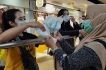 Pekerja migran di Hong Kong bagikan masker bantuan Pemkab Jember
