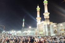 Suasana Masjidil Haram pasca pengumuman penangguhan umrah