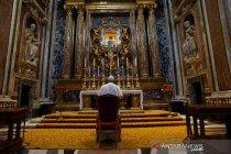 Paus Fransiskus sumbangkan 30 alat pernapasan lawan COVID-19