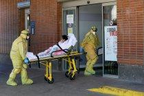 Hampir 12.300 petugas kesehatan Spanyol tertular virus corona