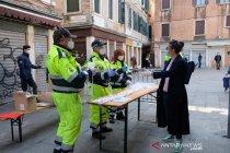 Italia larang kapal migran bersandar di tengah pandemi corona