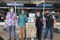 Bantuan 10.000 sarung tangan latex dikirim dari Kuala Lumpur