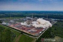 Pakar penjinak bom singkirkan bahan kimia di situs nuklir Inggris