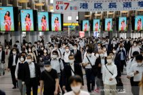 Warga berbondong-bondong keluar rumah usai Pemerintah Jepang cabut status darurat Corona