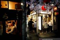Perangi virus, Tokyo desak bar dan restoran tutup lebih cepat