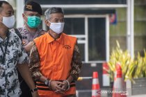 Wahyu Setiawan dituntut 8 tahun penjara