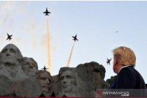 Trump tuding pengunjuk rasa berupaya menghapus sejarah AS