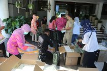 Puluhan ribu masker bantuan Pemkot Guangzhou disebar di Surabaya