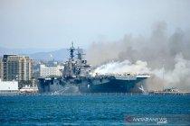 Kapal perang AS terbakar di San Diego, 21 orang cedera