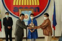 Lawan Covid-19, Maybank persembahkan masker khusus kepada ASEAN