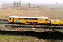 Mengintip proses pemeliharaan jalur kereta di China