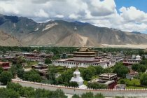Pemandangan spektakuler kuil tertua di Tibet