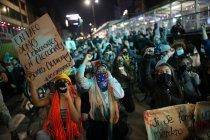 Ribuan warga, termasuk pribumi, unjuk rasa damai di Kolombia