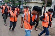 Satpol PP Tangerang segel arena futsal yang melanggar aturan PPKM