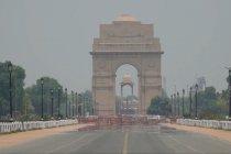 Pembakaran tunggul di India utara tingkatkan kekhawatiran lingkungan