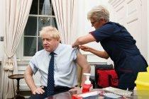 "PM Inggris sambut otorisasi vaksin sebagai kabar \""luar biasa\"""