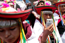 """Vaksin \""""hilang\"""", penduduk asli Bolivia batal disuntik"""