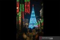 Menjelang perayaan Natal, Kota Madrid dihiasi lampu dekoratif