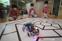 Murid SD di Surabaya juara lomba robot internasional