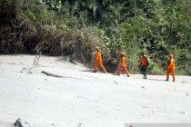 Tim SAR lakukan penyisiran cari operator yang hilang di Semeru