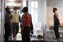 Kemarin, KPK geledah rumah dinas Edhy hingga klarifikasi azan jihad