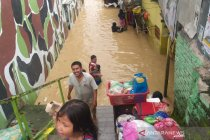 Warga di Medan sebahagian mengungsi akibat meluapnya Sungai Deli