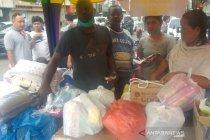 Bantuan  dari warga untuk korban banjir di Medan terus mengalir