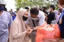 PT Timah bagikan sembako dan pengobatan gratis di Bangka Barat