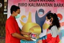 Antara Kalbar serahkan bantuan pendidikan siswa terdampak COVID-19