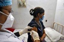 India laporkan 447 kasus \'efek samping\' setelah vaksinasi COVID-19
