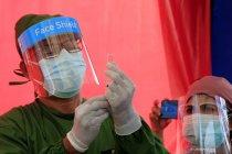 Hoaks, pria pingsan setelah divaksin COVID-19