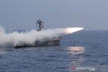 Latihan militer, Iran tembakkan rudal jarak jauh ke Samudera Hindia
