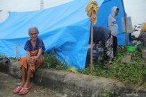 Hari ketiga di pengungsian korban gempa Mamuju