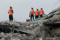 Pencarian korban gempa Mamuju hari ketiga