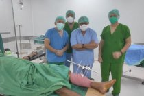 Tim medis bedah 30 korban patah tulang gempa Sulbar