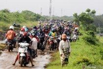 Banjir di jalan raya Porong