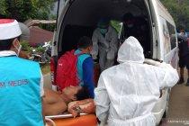 Tiga korban gempa Mamuju dievakuasi dari tenda pengungsian