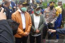 Menko PMK ingin lokasi banjir bandang di Puncak Bogor ditanami vetiver