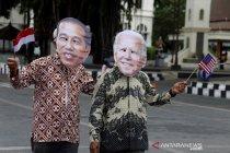 Aksi warga Solo sambut pelantikan Presiden AS Joe Biden