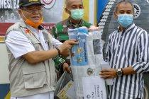 Rektor UNM salurkan langsung bantuan ke Sulbar