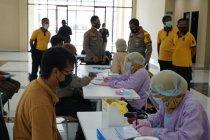 57 anggota Polresta Sidoarjo ikuti donor darah plasma